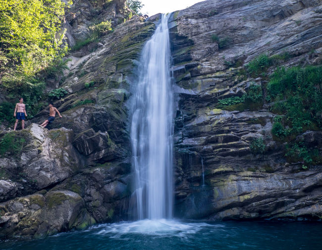 Cliff Dive Environment Flowing Water Freshness Landscape Long Exposure Nature Outdoors People Photo Photography River Summer Travel Destinations Water Waterfall
