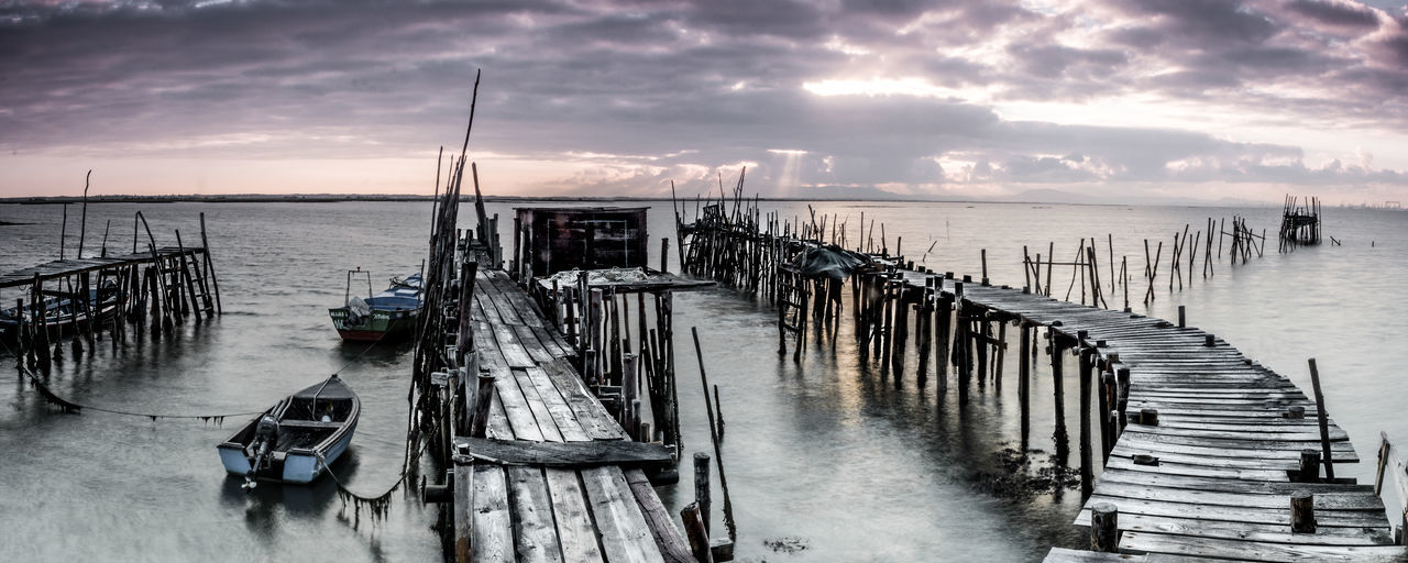 Beauty In Nature Cloud - Sky Horizon Horizon Over Water Mode Of Transportation Nature Nautical Vessel No People Pier Post Scenics - Nature Sea Sky Tranquil Scene Tranquility Transportation Water Wood - Material Wooden Post