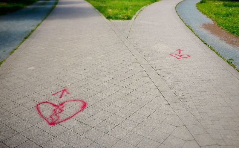 Grafitti Grafity Heart ❤ Broken Heart Crossroads At The Crossroads Heartbroken Heart Love Love Hurts