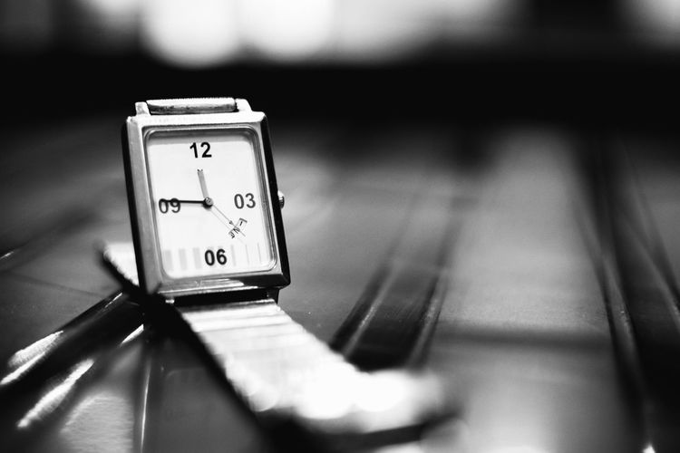 InMakin! Blackandwhite Bnw Monochrome Product Photography InMakin! Randomness Wristwatch Wrist Watch EyeEm Gallery Number Indoors  Time No People Close-up Clock Face