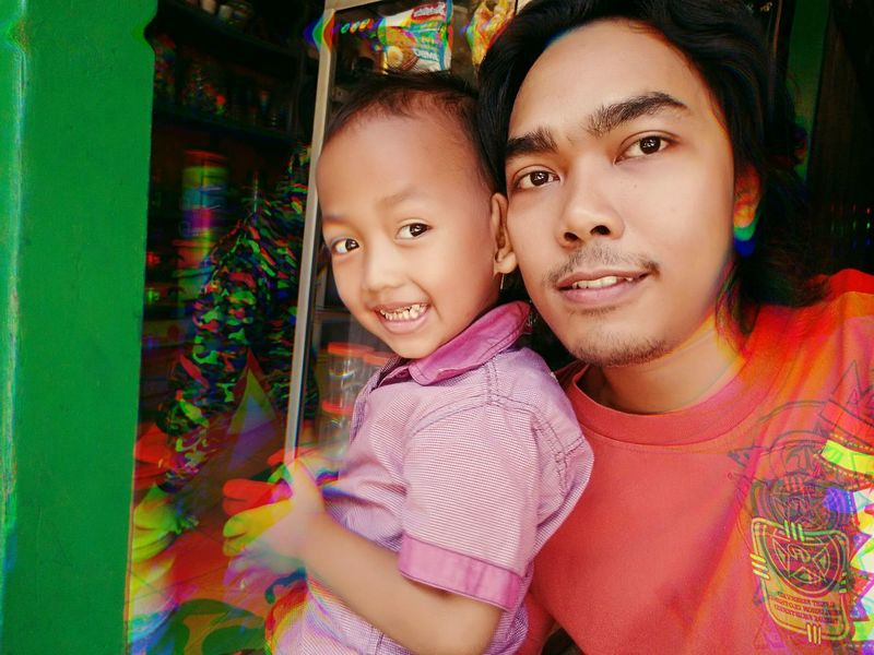bersama Bima dan Faris, Pasuruan Jawatimur INDONESIA PasuruanHits Janganlupabahagia Pasarbesar Child Multi Colored Looking At Camera Togetherness Childhood Girls Portrait People Happiness Family With One Child Smiling Real People Adult Cheerful Outdoors Day