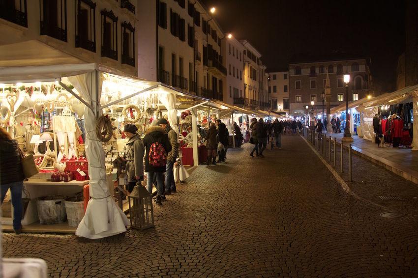 Market Nightphotography Xmas Market Streetphotography Take A Walk