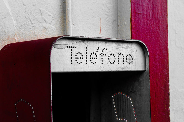 Teléfono Phone Teléfono Old Text Communication No People Day Red Close-up Indoors