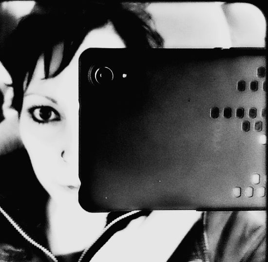 ...hey there georgie gurl... Hey There :) Hey There Georgie Girl In My Car :) Sony Xperia It's Me Punk Style Punky Grungegirl Black Eyeliner♥ Eyes Are Soul Reflection Eyes Big Eyes♡ Black And White Photography Monochrome Monochromatic MonochromePhotography EyeEm Gallery