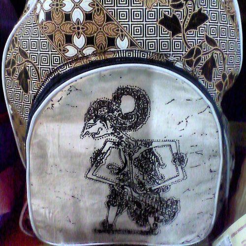 A wayang bag