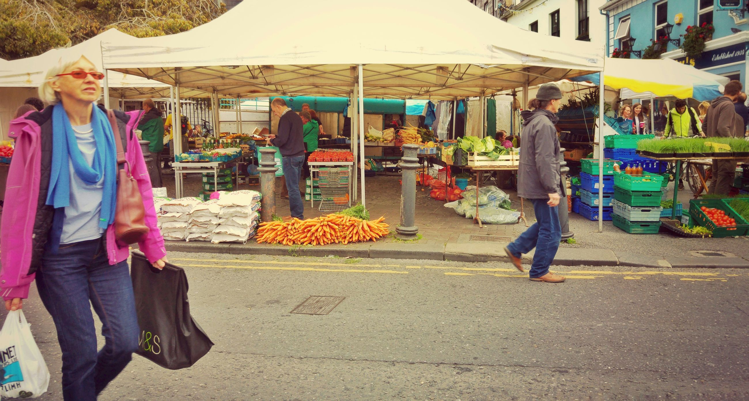 market stall, retail, for sale, market, lifestyles, men, food and drink, person, leisure activity, food, casual clothing, standing, variation, freshness, choice, fruit, small business, selling