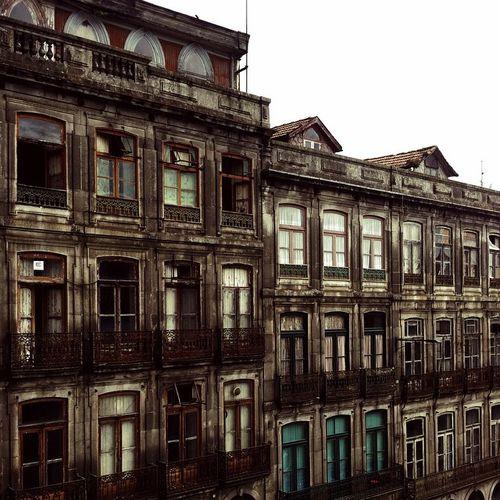 Vintage Porto 😄 Portugal Igers_porto Igers Buildings Love_porto Travelers Trip Visiting_xleitsa Tourists