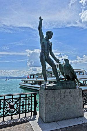 Ganymed Am Zürichs Beach City Cityscape Day Horizon Over Water No People Outdoors Schweiz Sculpture Sea Sky Statue Water Zürich