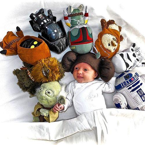 Et voilà la petite Princesse Zoé en mode Starwars Leia Yoda Chewie Jawa vader Bobafett Ewoks trooper R2D2 Baby Cosplay