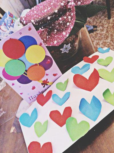 Прошел праздник и такой подарок сделала баночка вкусняшки к ней разгадки каждой вкусняшки ,открытка!