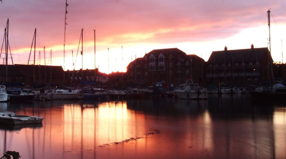 Sunset Nearby Outdoors Tranquil Scene Refection In The Water Southampton Docks