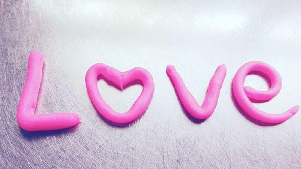 Pink 9vaga_colorpink9 Love Playdough Dough Tv_simplicity Minimalgram Minimal_mood Minimal_int Minimal_nio Candy_minimal Candybestof Tv_typography