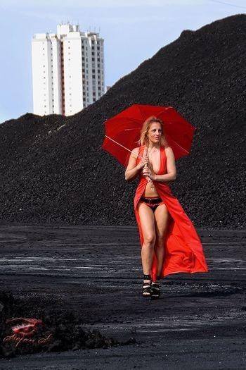 Outdoors Red Aschaffenburg Good Morning Good Morning! Blonde Women Who Inspire You SexyGirl.♥ Nina Blonde Girl Sexygirl Sternfee Goodnight Sexylegs High Heels Standing Hafen