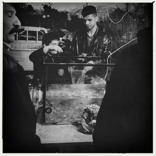 كمتر از دو ساعت به تحويل سال باقى مونده و مردم هنوز در حال خريد وسايل سفره هفت سين هستند. پيشاپيش فرا رسيدن بهار وعيد نوروز رو به همه ايرانيهاى عزيز، هرجايى كه هستن، تبريك ميگم. Less than 2 hours remained to the beginning of the new Persian year and people are still on the streets buying stuff for their 'Haft-Seen's. Haft-Seen which means 7 'S's is the traditional table setting for Nowruz, traditional Iranian spring celebration. Happy Nowruz to all the Iranian all over the globe! Streetphotography Blackandwhite WeAreJuxt.com AMPt - Street