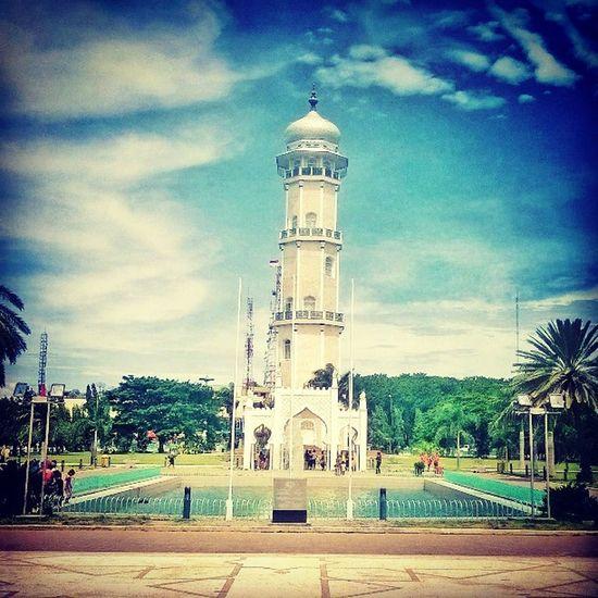 The park side of Baiturrahman Mosque Baiturrahman Mosque Aceh INDONESIA Islam park architecture