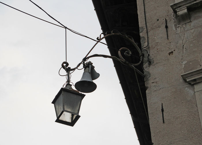 Connection Electric Wire Electrical Connections House Italy Italy❤️ Lantern Old Old Building  Old Buildings Speaker Speakers Wire Wires Wires And Strings