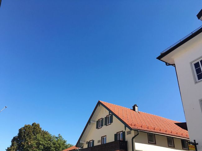 Residential Building Bavarian Architecture Bavarian Houses Residential District Residential Structure Residential Buildings Bad Tölz Bavaria Architecture Low Angle View Roofs Blue Sky Clear Sky Sunny Day Summer Sunny Bright Bavarian Home Bavarian City City Home