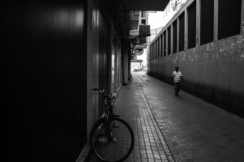 Black & White Composition Framing, Leading Lines, Pure Street, Street Life Blackandwhite Blackandwhite Photography Real People Street Photography Street Scene, Cape Town Street, Streetphoto_bw Streetphotography
