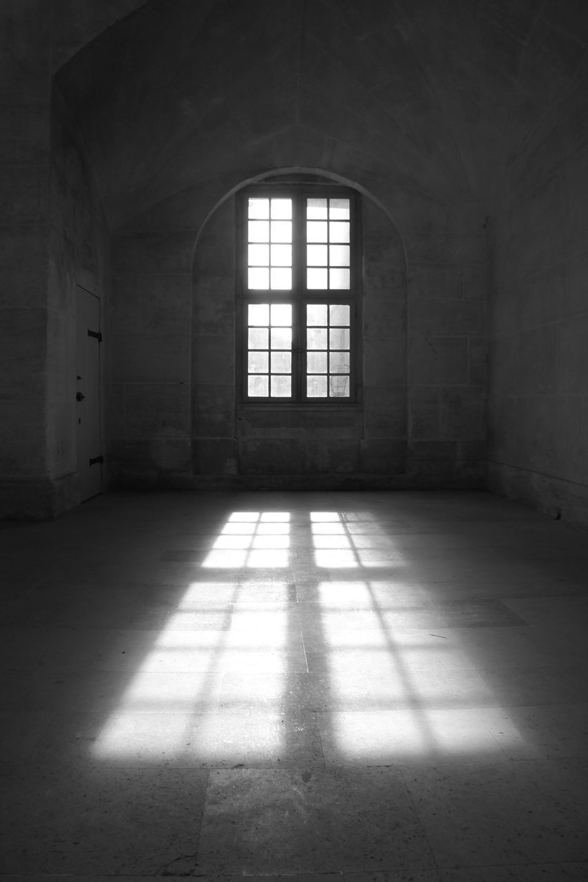architecture, window, sunlight, built structure, indoors, building, flooring, day, no people, empty, arch, shadow, wall - building feature, abandoned, absence, nature, wall, old, entrance, ceiling