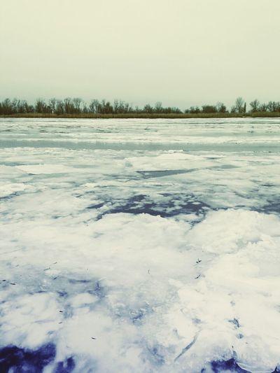 .... Walking Around Biutiful Nature Ice