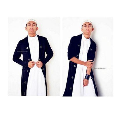 Throwback: Me as a Model for AL HARAM AIN COLLECTION from Jeddah. For booking, do contact me on: WeChat/WhatsApp: +60108954132 Fb Page: SHAH Photography Twitter: @ ShahAlMuslim Blog: Shahgreen.blogspot.com Instagram: Shahgreen Fashionformen  Formen Menswear Menstyle menfashion fashion swag style stylish 20likes swagger cute photooftheday Muslim hair instafollow shirt handsome cool Islam guy boy boys man model Jeddah styles FollowMe fresh