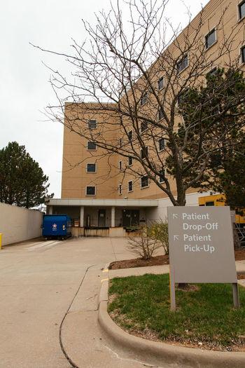 Patient drop-off, patient pick-up Hospital Healthcare And Medicine Healthcare Built Structure Building Exterior Building Exterior