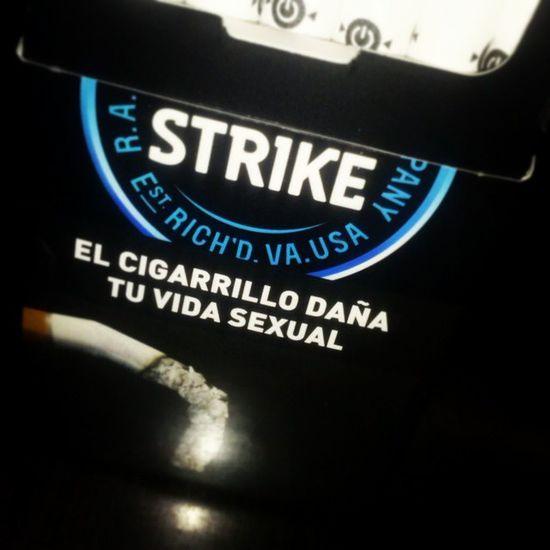 Menos mal que yo no tengo cosita xd Luckystrike Cigarrete Hola