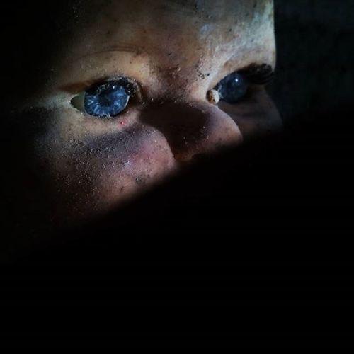 Muñeco Vision Nosobservan Miradasoscuras Eyes BlueEyes Sucio Enelolvido Olvidadoeneltiempo FotoDelDia Olvido Tiemposdeolvido