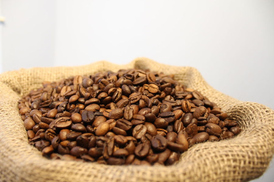 Abundance Close-up Coffee Coffee Bean Day Food Food And Drink Freshness Healthy Eating Hessian Indoors  Large Group Of Objects Nature No People Raw Coffee Bean Roasted Coffee Bean Sack