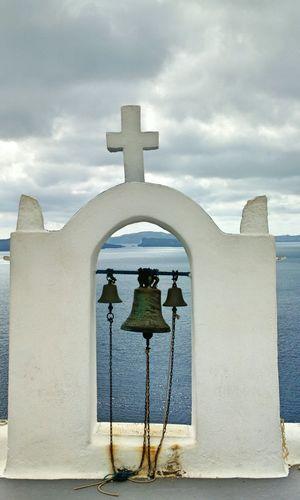 || Street Journals || Santorini , Greece. TheFoneFanatic Nokia  Nokia808 Vacations Mobilephotography PhonePhotography Streetphotography Cross Place Of Worship Religion Whitewashed Arch