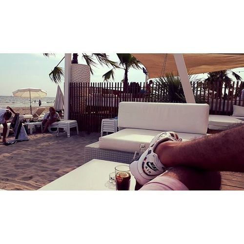 PailloteBambou Paillote  Bambou Mtp Montpellier Mtpvice Vice Sun Beach Plage Soleil Mer Mediterraneansea Méditerranée Mermediterranee Solo Cocacola Pause Instant Repis Moment Détente Weekend Chill Vrai reallife