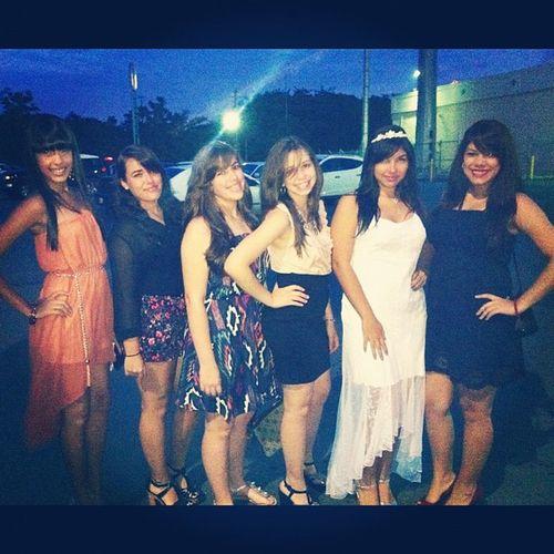 weeeeee \O/ <3 Quincea ñerosurprise Friends Cousins  Cute pretty girls werunthis life partybus saturdaynight