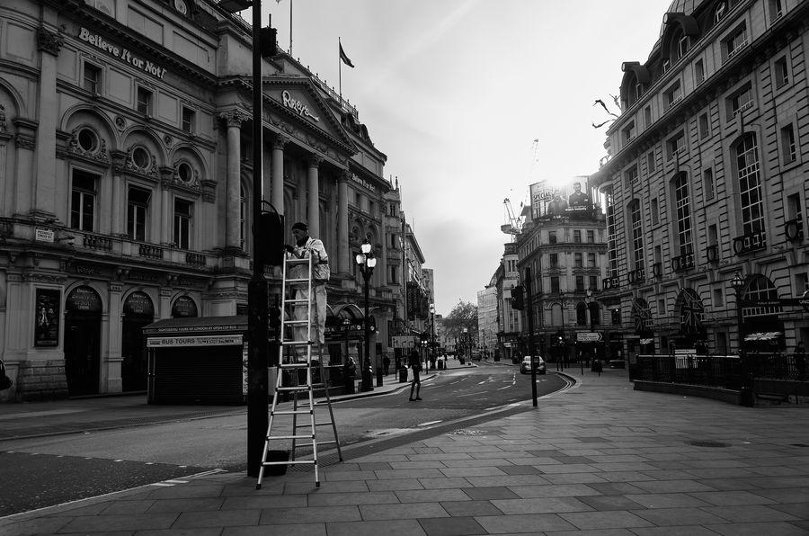 When City Sleeps. Streetphotography Rawstreets Leica Maxgor Blackandwhite Street Photography City Life London Londonstreets Streetphoto_bw Maxgor.com Monochrome Photography