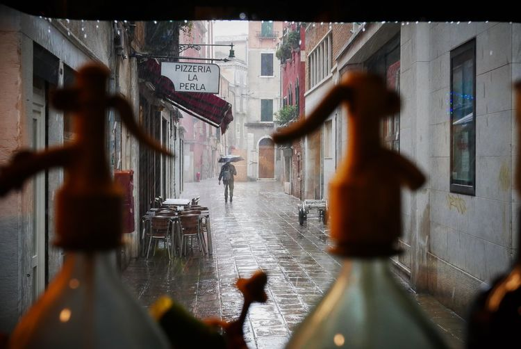 Rain in Venice Focus On Background Built Structure Selective Focus Architecture City Day Rain Umbrella Urban Cityscape Travel Travel Photography Travel Destinations Inside Dof EyeEmNewHere EyeEm Best Shots Raindrops Cobblestone Venice, Italy Historic Acqua Alta Outdoors People