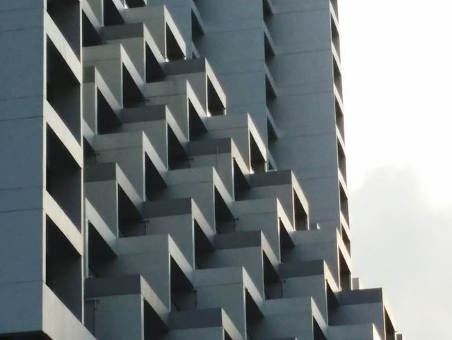 I see Geometric Shapes at Marina Square Urban Exploration Urbanphotography The Architect - 2016 EyeEm Awards Architectural Detail Shadows & Lights Architectural Feature Our Best Pics Lights And Shadows EyeEm Best Shots Abstract Photography Eyeemphoto