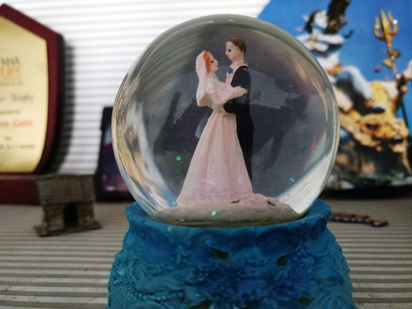 Snow ball Snow Ball Macro Beauty Macro Photography Macro Toy No People Blue Close-up Couple Gift Statue Stationary Sculpture Human Representation Sculpted Crystal Ball Trapped Art