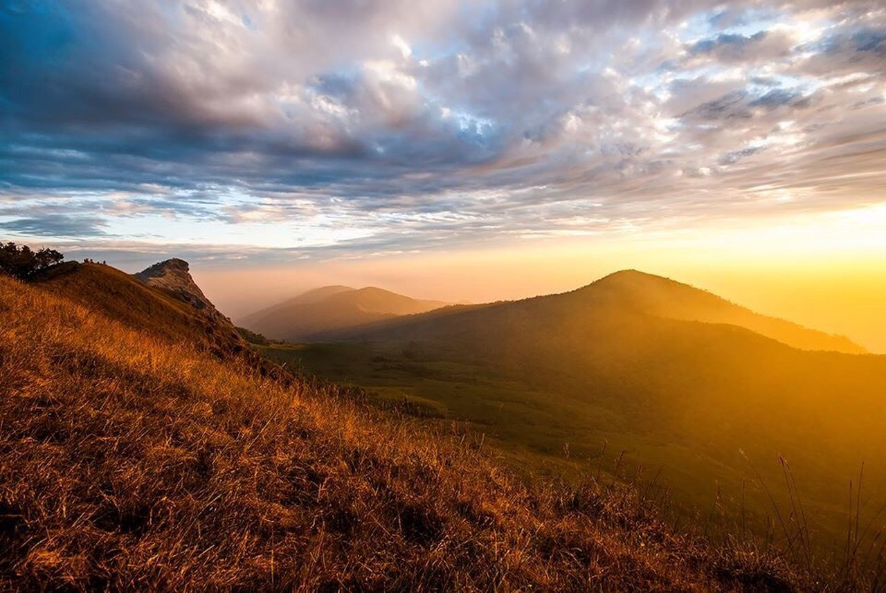sunset, nature, beauty in nature, sky, cloud - sky, tranquil scene, scenics, tranquility, mountain, landscape, no people, outdoors, day