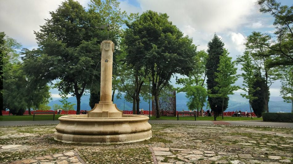 Euskalherria Bilbao Tree Plant Nature Sky Day Memorial No People