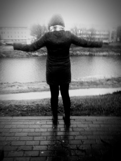 Hanging Out Latvia Valmiera GaujaRiver Chilling Taking Photos Rainy Day Winteriscoming