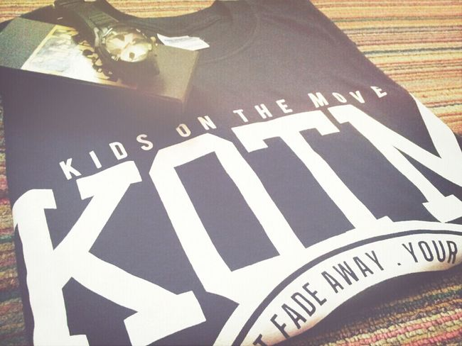 Hehe. Thanks kamu! Kotm KidsOnTheMove Bandshirt Photooftheday . Happy me.