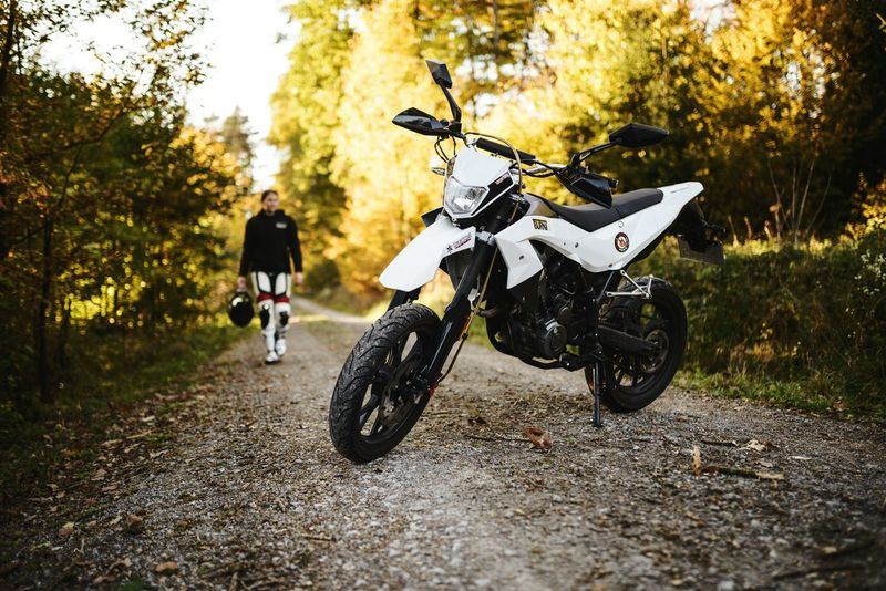 Motorcycle Riding Biker Bicycle Outdoors Motocross Tree Sport Nikon Stuttgart Germany Photography Forest Mood 2017 Check This Out Heilbronn Supermoto Sigma 35mm Art Nikonphotography Petrolhead The Week On EyeEm Technology Beauty In Nature The Week Of Eyeem