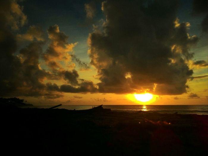 Easter sunday morning. 😊😀 PhonePhotography Sunrise And Clouds Sunrise Morning Philippines OpenEdit