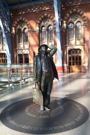 Arch Art Casual Clothing Day Hopes And Dreams Leave Everything Behind Leisure Activity Lifestyles Sculture St Pancras St Pancreas Train Station Traveller Waiting For A Train Feel The Journey