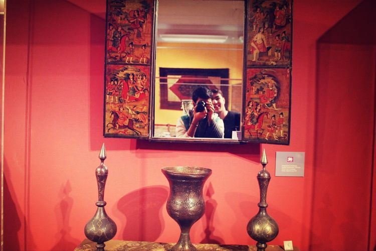 Artmuseum Azerbaijan Friend Mirror