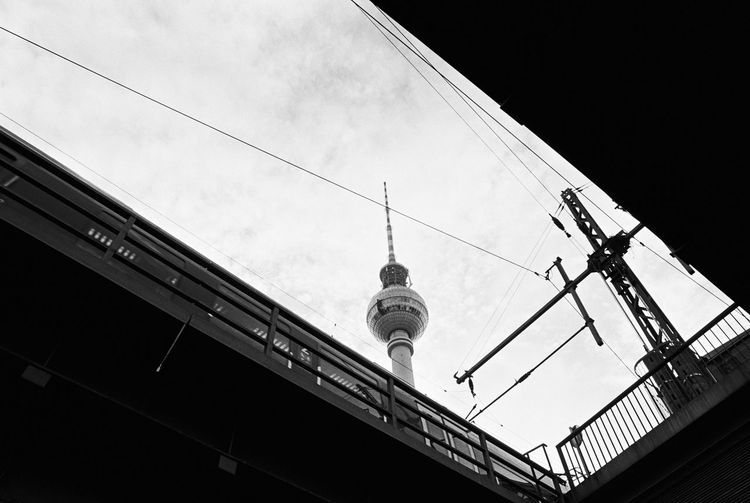 Lookingup 35mm Film Analogue Photography Black & White Fernsehturm My Fuckin Berlin Nikon FA S-Bahn Berlin Architecture Berliner Ansichten Black And White Building Exterior Built Structure Day Film Photography Low Angle View Monochrome No People Outdoors Schwarzweiß Sky Train Station TV Tower Alexanderplatz Discover Berlin Black And White Friday
