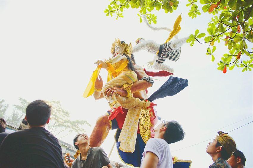 ...watched out Balancing Act Nyepi Day Hari Raya Nyepi Tahun Baru Saka 1935 Asian Culture Culture Contrast Praying Peace And Love EyeEm Indonesia INDONESIA