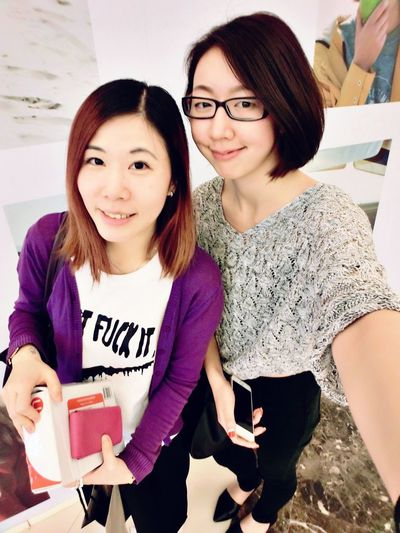 Friends Hanging Out Love Enjoying Life Girls HongKong