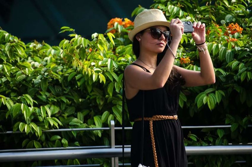 Natural Light Portrait GirlsGeneration Tourist Taking Pictures Taking Photos Girl With Hat