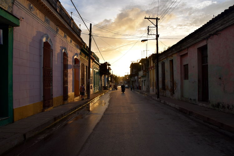 Architecture Built Structure Building Exterior The Way Forward Direction Building Street City Residential District Diminishing Perspective Incidental People Santa Clara Cuba Cuba Collection Cuba Travel Travel Destinations
