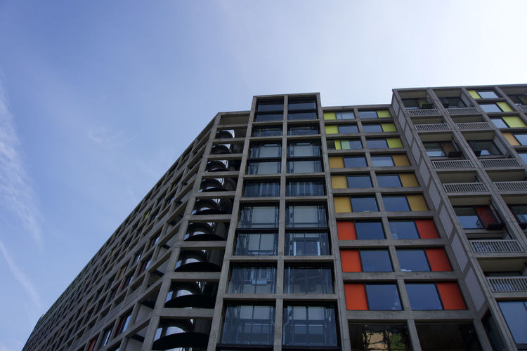 Low angle view of new flats at Park Hill in Sheffield Sheffield Park Hill Built Structure Architecture Building Exterior Sky Low Angle View Building Nature No People Modern Window City Day Outdoors Office Office Building Exterior Tall - High Skyscraper Cloud - Sky Residential District Glass - Material Pattern Apartment